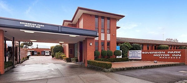 Sovereign park motor inn ballarat travel victoria for City centre motor hotel