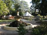Beechworth / Town Hall Gardens, corner Ford Street and Williams Street / Fountain, rotunda and war memorial
