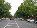 Benalla / Commercial centre and shops / View north along tree-lined Nunn St between Bridge St and Church St