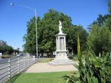 Benalla / Botanical Gardens, Bridge Street West / War memorial, just west of bridge