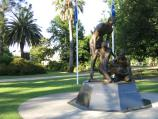 Benalla / Botanical Gardens, Bridge Street West / Weary Dunlop memorial