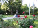 Benalla / Botanical Gardens, Bridge Street West / Roses with Weary Dunlop memorial in background