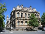 Bendigo / Pall Mall and attractions / Bendigo Law Courts, view south-west along Pall Mall at Bull St