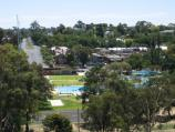Bendigo / Poppet Head lookout, Rosalind Park / View north towards pool