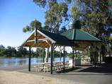 Bendigo / Lake Weeroona / BBQ and picnic shelter, along Napier St