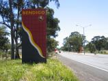 Bendigo / Bendigo suburb of Kangaroo Flat / View north along Calder Highway, south of Phillis St