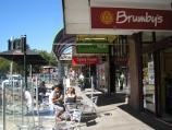 Berwick / Commercial centre and shops, High Street / Outside shopfront seating, south side of High St at pedestrian lights