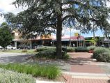 Berwick / Commercial centre and shops, High Street / View south across High St west of Gloucester Av