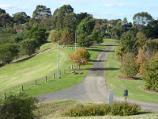 Berwick / Wilson Botanic Park / Easterly view along pathway above amphitheatre
