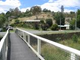 Castlemaine / Around Castlemaine and outskirts / View north along footbridge across Forest Creek towards Andrew St