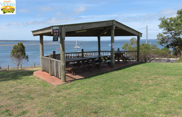 Corinella - Picnic shelter in park overlooking jetty