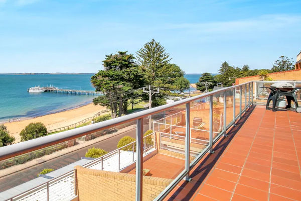 Beachfront Penthouse, Cowes