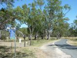 Dimboola / Golf Course Road along Wimmera River / View north-west along Golf Course Rd at Wimmera St