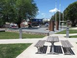 Drouin / Memorial Park, Princes Way at south end of Hope Street / Easterly view through park