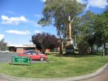 Echuca / Aquatic Reserve and Murray River bridge / Council Offices, view south along Murray Esplanade at Radcliffe St
