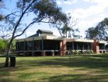 Echuca / Aquatic Reserve and Murray River bridge / Visitor Information Centre, Heygarth St
