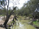 Echuca / Campaspe River at Lions Park, Campaspe Esplanade / View north along Campaspe River from bridge on Northern Highway