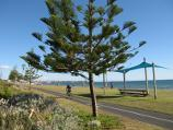 Elwood / Elwood Beach and coastline between Point Ormond and diversion drain / Bicycle track along foreshore south of kiosk