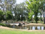 Euroa / Seven Creeks and surrounding parkland, Kirkland Avenue / View towards footbridge at toilets