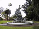 Hamilton / Botanical Gardens / Fountain