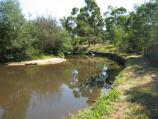Healesville / Everard Park, Maroondah Highway at Yarra River / Yarra River through park
