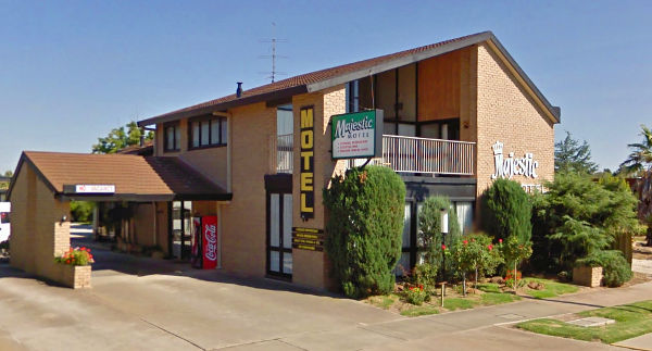 Majestic Motel, Horsham