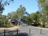 Horsham / Wimmera River at Apex Island / Footbridge to Apex Island