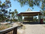 Horsham / Wimmera River at Apex Island / Rotunda on Apex Island
