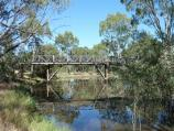 Horsham / Wimmera River at Apex Island / View west along river towards footbridge