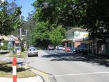 Kallista / Commercial centre and shops, Monbulk Road / View south along Monbulk Rd