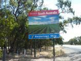Kaniva / Area around State border between Victoria and South Australia, Western Highway / Welcome to south Australia sign, view west along Western Hwy at border