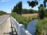 Kyneton / Campaspe River / View west along Burton Av over Campaspe River
