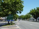 Lilydale / Shops and commercial centre, Main Street / View west along Main St towards Hutchinson St