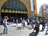 Melbourne / Flinders Street Station, corner Flinders Street and Swanston Street / Steps at main entrance