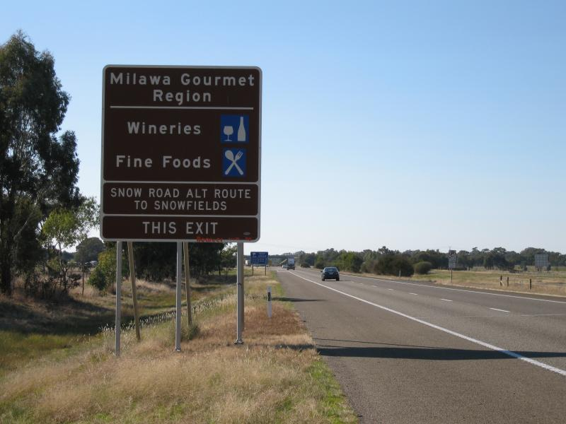 Milawa photos - Travel Victoria: accommodation & visitor guide