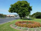 Morwell / Shops and commercial centre, Princes Drive and Church Street / View east along Princes Dr at Hopetoun Av