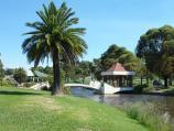 Morwell / Morwell Civic Gardens and Kernot Lake, Princes Drive / View along southern side of Kernot Lake towards footbridge