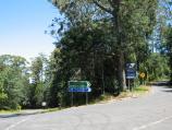 Mount Macedon / Mount Macedon Road / View south along Mt Macedon Rd at Cameron Dr