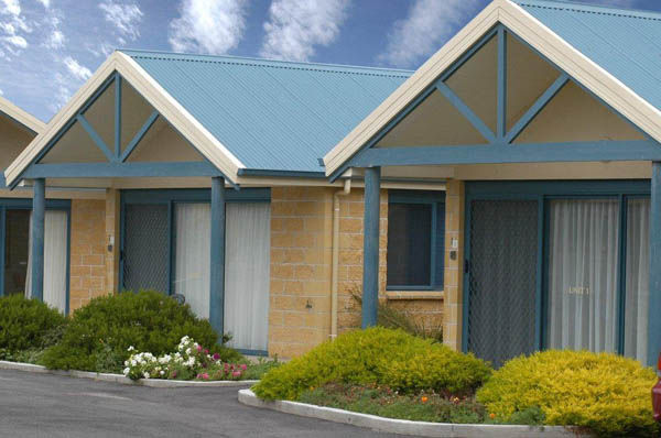 Summer's Rest Units, Port Campbell