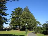 Port Fairy / Botanic Gardens, Griffiths Street / Path through gardens