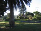 Port Fairy / Botanic Gardens, Griffiths Street / Path through gardens towards caravan park