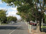 Port Welshpool / Welshpool town centre, Main Street (South Gippsland Highway) / View east along Main St, just east of Shady Creek