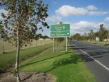 Port Welshpool / South Gippsland Highway, western edge of Welshpool / View east along highway, east of Slades Hill Rd