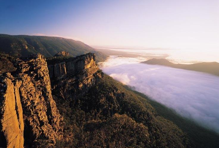 Grampians National Park - A misty valley