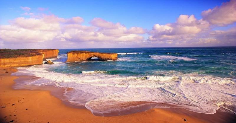 Great Ocean Road coast - London Bridge