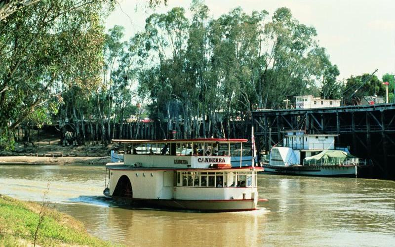 Murray River - Paddle steamer Canberra at the Port of Echuca
