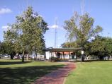 Robinvale / Commercial centre and shops / Gardens in centre of George St between Perrin St and Herbert St