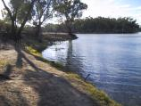 Robinvale / Murray River in town / Murray River, McLennan Dr
