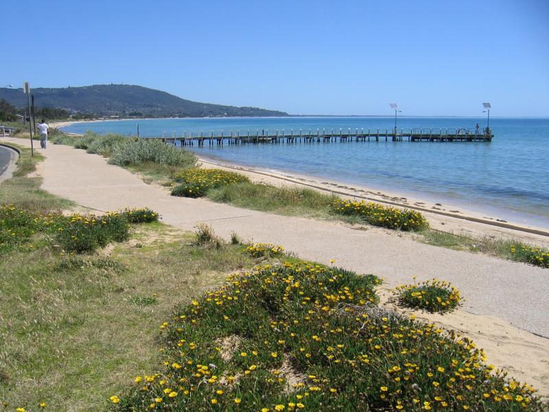 Safety beach accommodation victoria