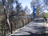Shepparton / Victoria Park Lake, Goulburn River, Aquamoves centre / Path along Goulburn River near Aquamoves centre